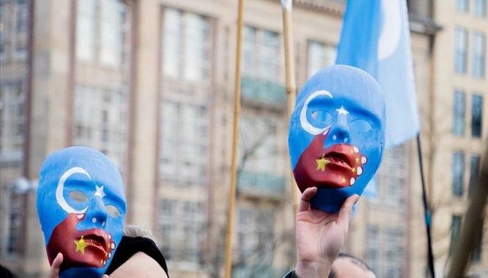 Çin İstanbul'da yaşayan Uygur Türklerince protesto edildi