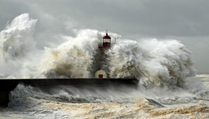 Новый тропический шторм образовался в Атлантическом океане