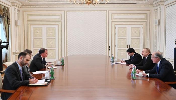 Президент Ильхам Алиев принял советника заместителя Госсекретаря США по энергетической дипломатии