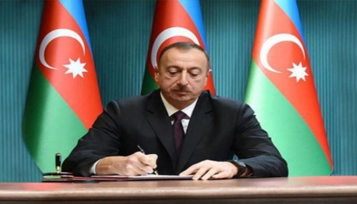 Президент Ильхам Алиев поздравил латвийского коллегу