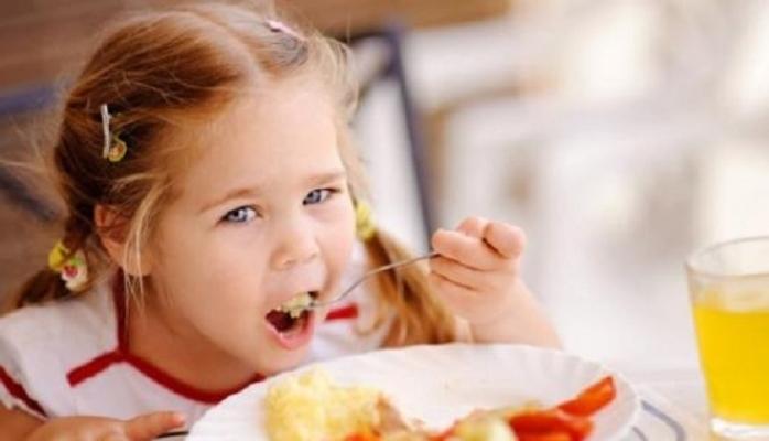 Uşaq necə qidalanmalıdır?
