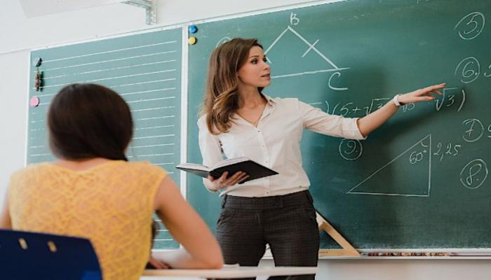 В Азербайджане около 7 тыс. учителей хотят сменить место работы