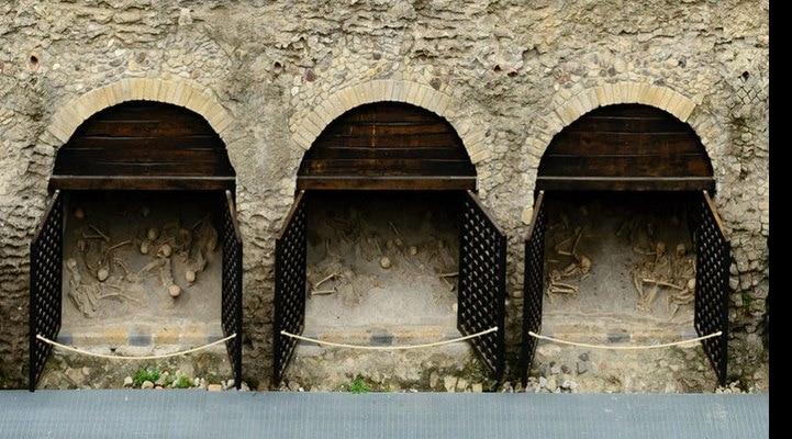 Vezuvi qurbanlarının əzablı ölümlərinin yeni sübutları tapılıb