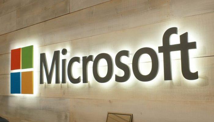 """""""Microsoft"""" əməkdaşlarına Grammarly, Slack və Google Docs-dan istifadə etməyi qadağan edir"""
