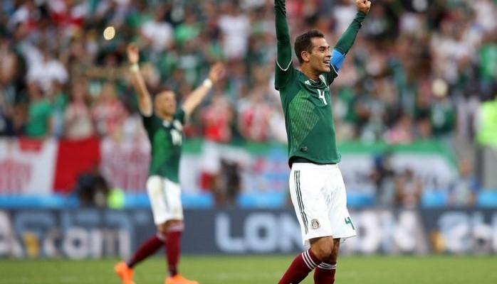 Meksikalı futbolçu karyerasını bitirdi