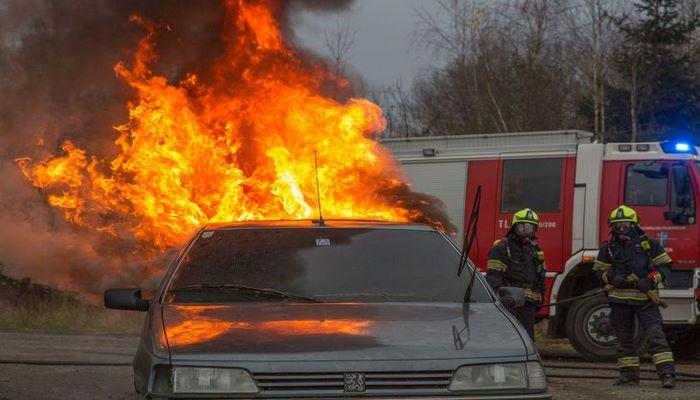 Эксперты рассказали о последствиях возгорания и взрыва электромобиля