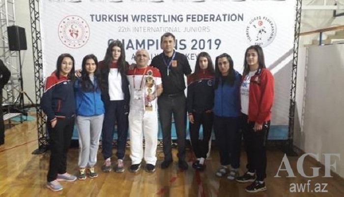 Güləşçilərimiz Antalyadan 11 medalla qayıdır