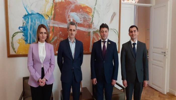 Посол Франции встретился с главой азербайджанской общины Нагорно-Карабахского региона Азербайджана