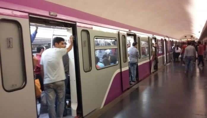 Bakı metrosunda maraqlı anlar - hər kəsi əyləndirdi