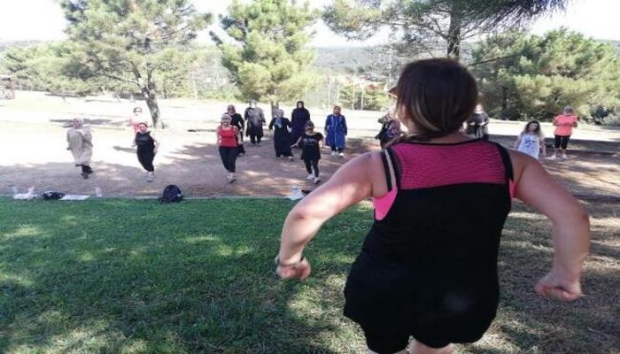 Kadınlar, pandeminin etkilerinden sabah sporuyla kurtuluyor