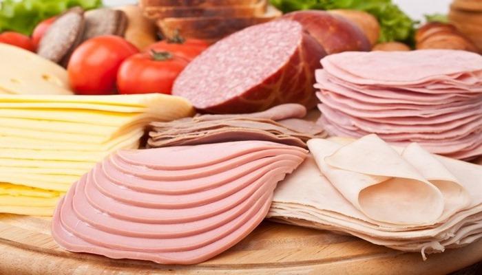 Какая колбаса больше всего вредит здоровью