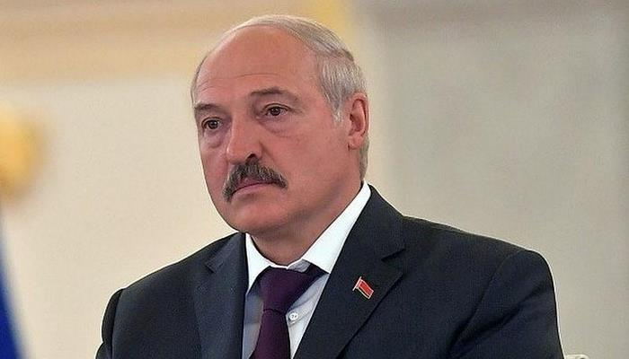Lukaşenko Belarus konstitusiyasını dəyişmək niyyətində olduğunu açıqlayıb