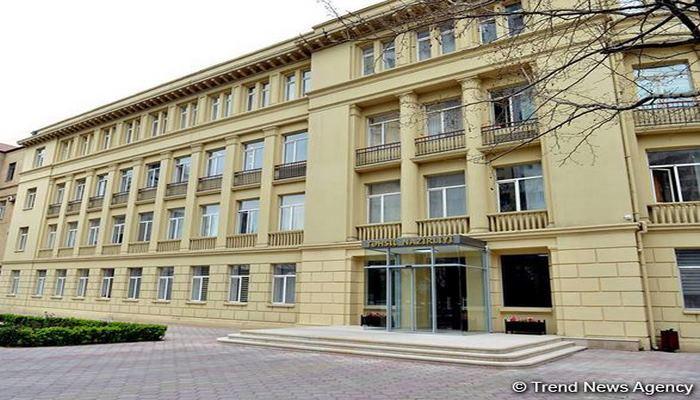 Минобразования Азербайджана приостанавливает прием граждан до 31 августа