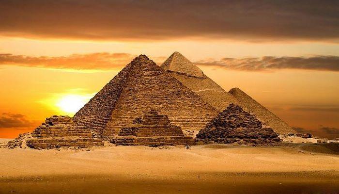 Misirdən İlon Maskın piramidaların yadplanetlilər tərəfindən inşa edilməsi iddiasına cavab