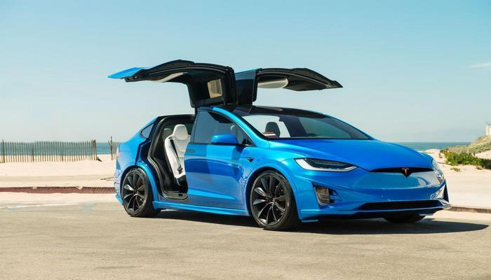 Tesla стала лидером рынка электрокаров