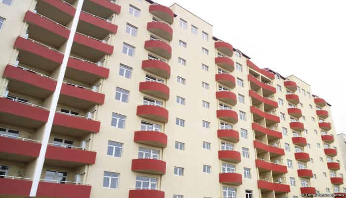 В Азербайджане временно проживающим в санатории семьям предложено переехать в новое жилье